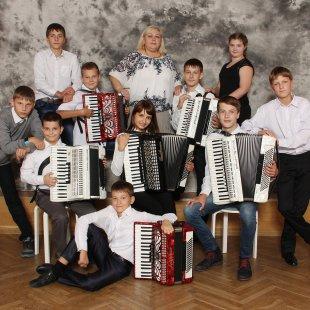 Akordeonistu ansamblis (ped.Ērika Stalidzāne)