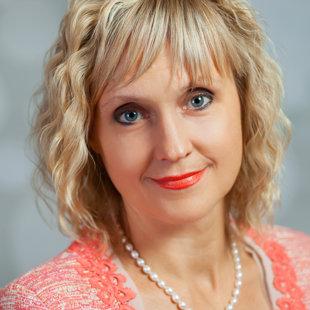 Aina Petrovska - sākumskolas skolotāja