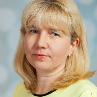 Lolita Greitāne - skolas direktore